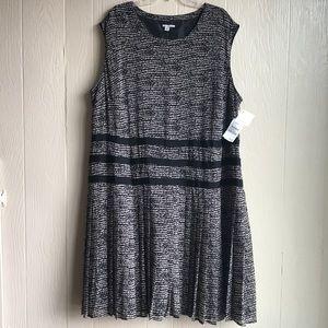 Halogen Black & Cream Pleated Swing Dress